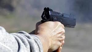 देवरिया में एक व्यापारी को बदमाशों ने मारी गोली, गोरखपुर मेडिकल कॉलेज किया गया रेफर