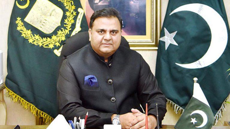 आर्टिकल 370: बौखलाया पाकिस्तान, इमरान के मंत्री ने दी युद्ध की धमकी