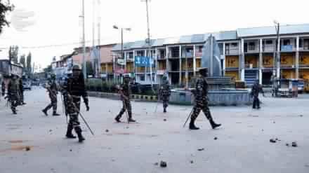 कश्मीर मुद्दे पर सुप्रिम कोर्ट से केन्द्र सरकार ने जवाब देने के लिये ४ हफ्ते का मांगा समय ।