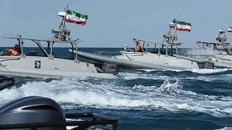 अमरीकी पत्रिका ने बताया कि ईरानी नौसेना की शक्ति कितनी है ? युद्ध हुआ तो कितना नुक़सान पहुंचाएगी अमरीका को ?