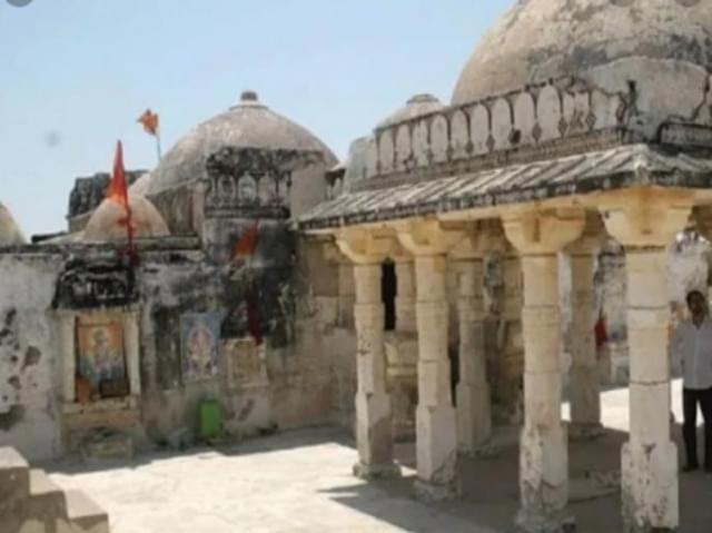 नये साल पर एक और ऐतिहासिक हिंदू मंदिर  खोलने की तैयारी में पाकिस्तान