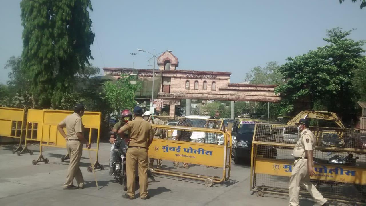सरकार के कर्फ्यू का ठाणे – मुम्बई सीमा के साथ पुलिस की मुस्तैदी से शहर में दिखा असर – (वीडियो रिपोर्ट)