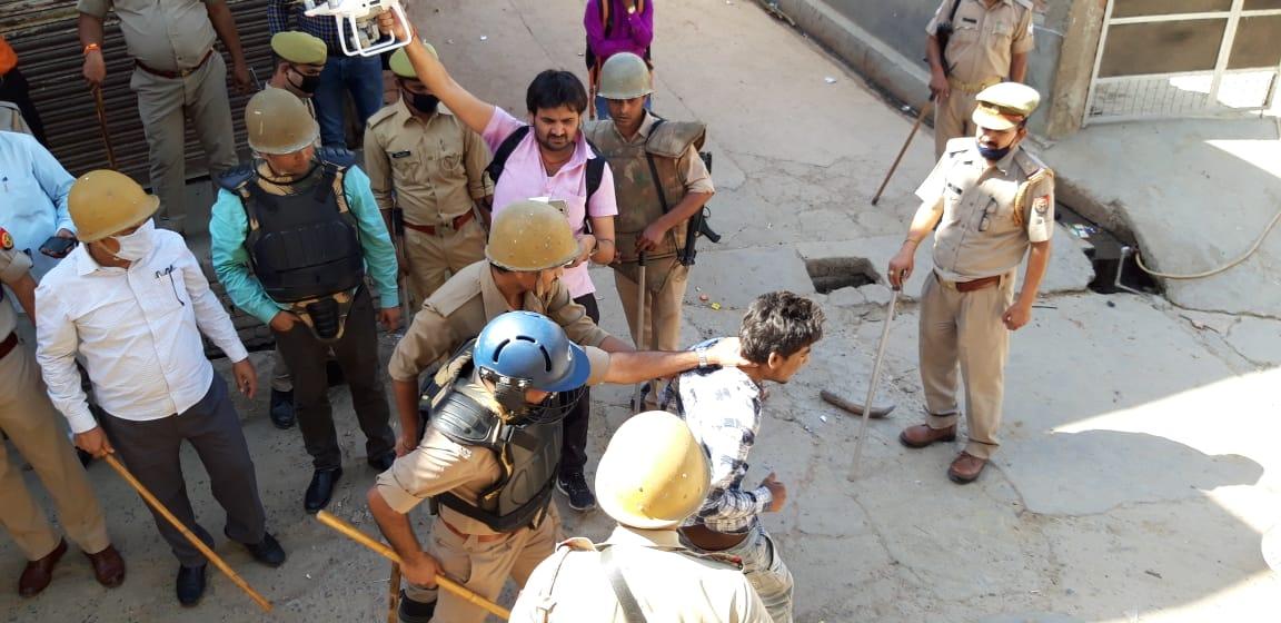 बिग ब्रेकिंग:- कन्नौज की जामा मस्जिद से पुलिस पर हुआ हमला, दो-तीन पुलिस कर्मी घायल