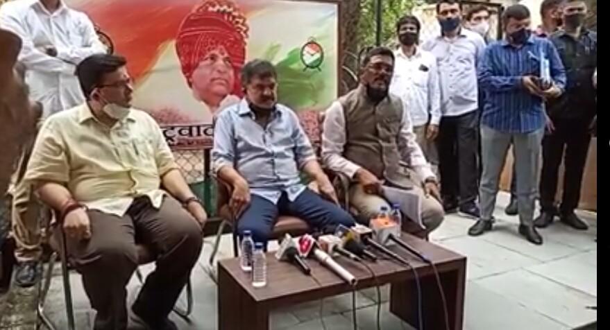महाराष्ट्र के गृह निर्माण मंत्री डॉ. जितेन्द्र आव्हाड ने ठाणे वर्तक नगर पुलिस कॉलोनी का मुद्दा सुलझाया