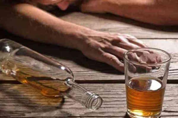 मध्य प्रदेश – जहरीली शराब पीने से 14 लोगों की मौत, 10 आरोपी गिरफ्तार