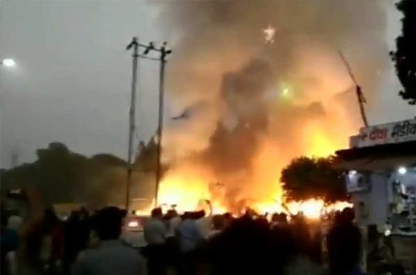 आगरा के शाहगंज में पटाखों के गोदाम में आग लगने से दो की मौत, चार झुलसे