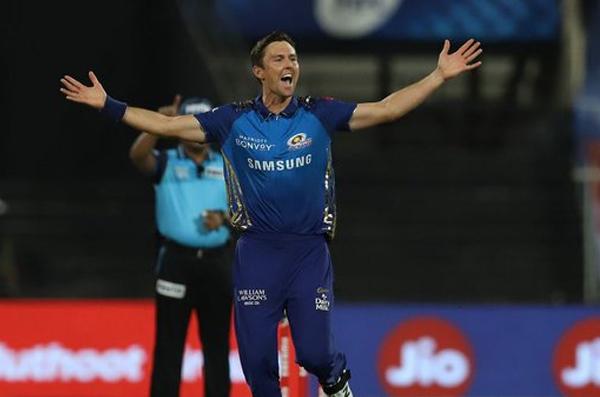 आईपीएल-13 – धोनी की चेन्नई सुपरकिंग्स मुंबई इंडियंस के हाथों  शर्मनाक हार के बाद प्लेऑफ से बाहर