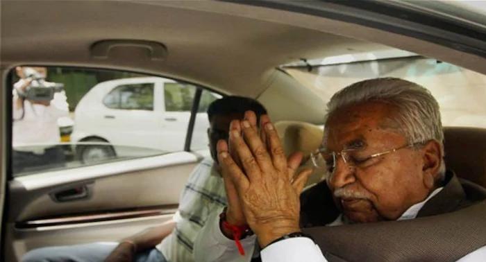 गुजरात के दिग्गज नेता और पूर्व मुख्यमंत्री केशुभाई पटेल का निधन