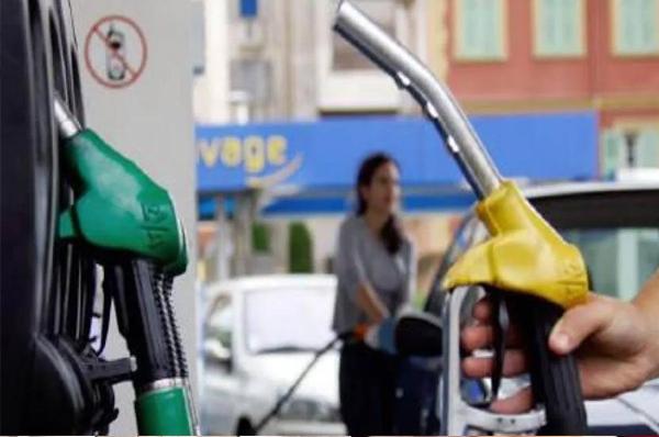जिस तेल का खेल कर सत्ता पर काबिज़ हुए, वही तेल में घालमेल कर जनता का तेल निकालने पर अमादा