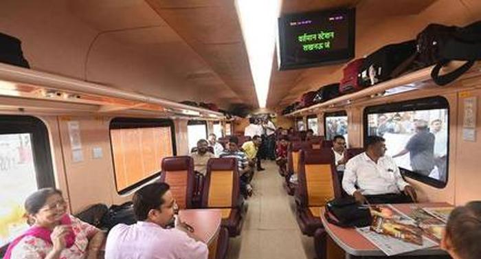 जानें किन 15 कंपनियों ने देश में निजी ट्रेन चलाने में दिलचस्पी दिखाई, रेलवे ने मंगाए थे निजी ट्रेनों के परिचालन के लिए आवेदन