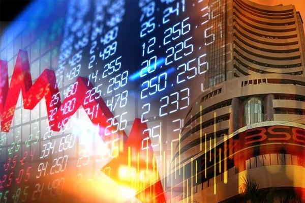 तेज शुरुआत के बाद शेयर बाजार लुढ़का, कुछ ही देर में सेंसेक्स 204.95 अंक का गोता लगाकर 48485.85 अंक के स्तर पर आ लुढ़का