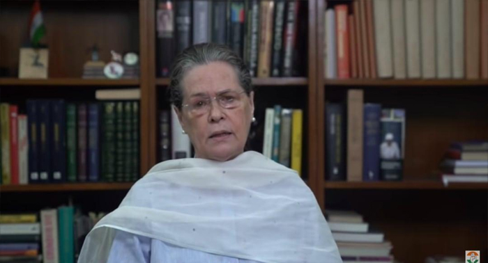 """सोनिया गांधी बोलीं – """"हाथरस की निर्भया की मृत्यु नहीं, एक निष्ठुर सरकार ने उसे मार डाला, हम आंदोलन करेंगे"""""""