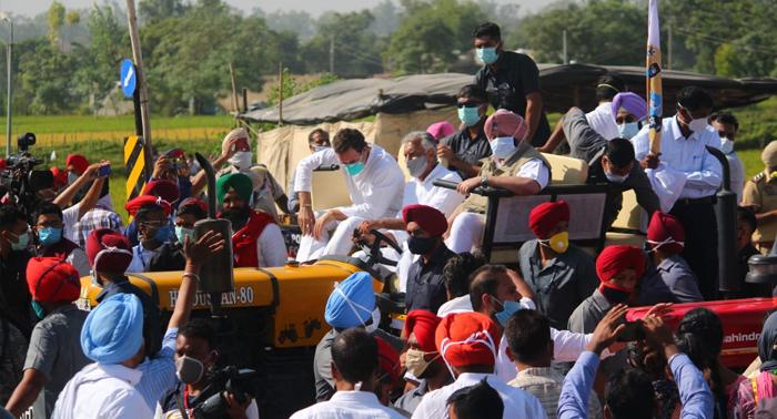 राहुल का बडा हमला – ये मोदी नहीं, अम्बानी-अडानी सरकार है