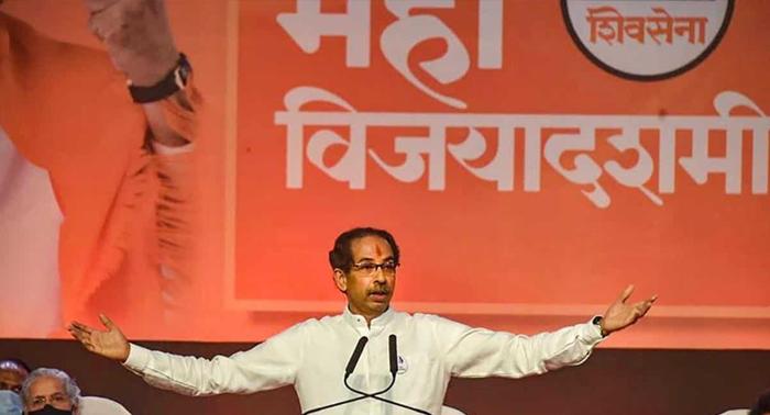 CM उद्धव भाजपा पर हुए हमलावर, बोले हिम्मत है तो सरकार गिराकर दिखाओ, वहीं की जीएसटी रद्द करने की भी वकालत