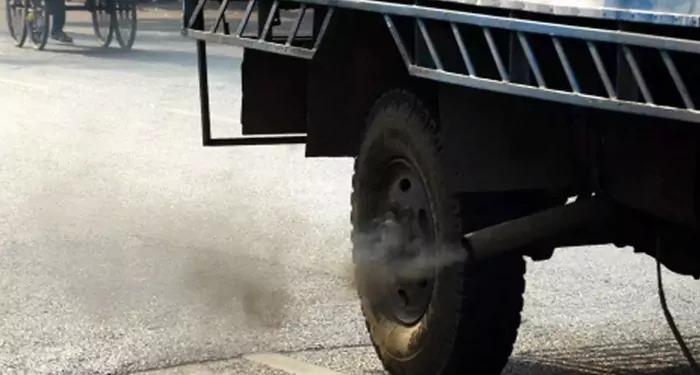 अब लगेगा 'ग्रीन टैक्स' 8 साल पुराने वाहनों पर, सरकार ने दी मंजूरी