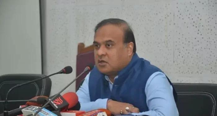 """चुनाव आयोग ने सरमा की सजा आधी कर दी, प्रतिबन्ध 48 से कर दिया 24 घंटे का, """"अपनों पे करम, गैरों पे सितम"""""""