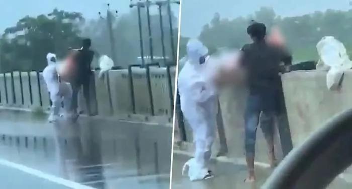यूपी में कोरोना संक्रमित का नदी में पुल से शव फेंकते हुये वीडियो हुआ वायरल