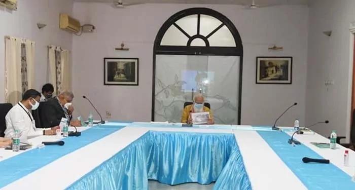 ममता नहीं शामिल हुईं समीक्षा बैठक में, आधा घंटा कराया मोदी और धनकड़ को इंतजार