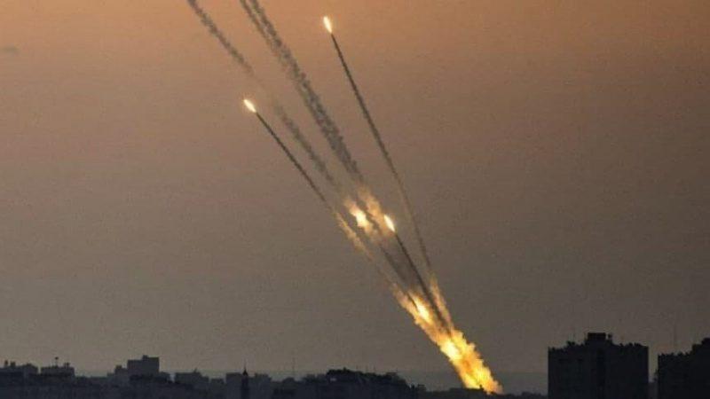 क़हर बनकर टूटे हमास के 130 रॉकेट इस्राईल की राजधानी तेल-अवीव पर !