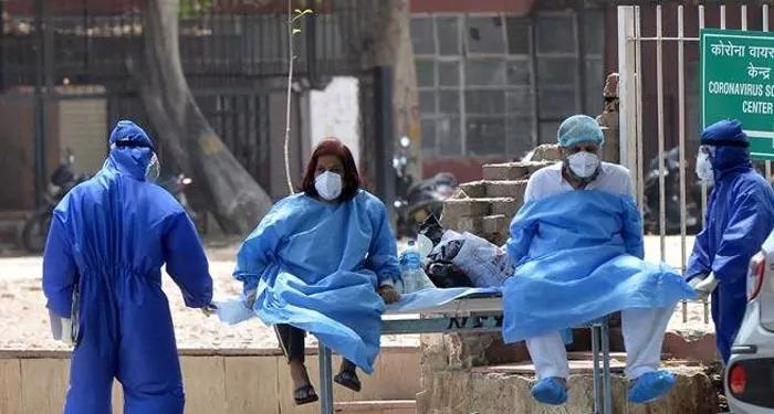 कम ज्यादा होता कोरोना: नए मामले 24 घंटे में 2.11 लाख से ज्यादा, वहीं 3847 लोगों की हुयी मौत