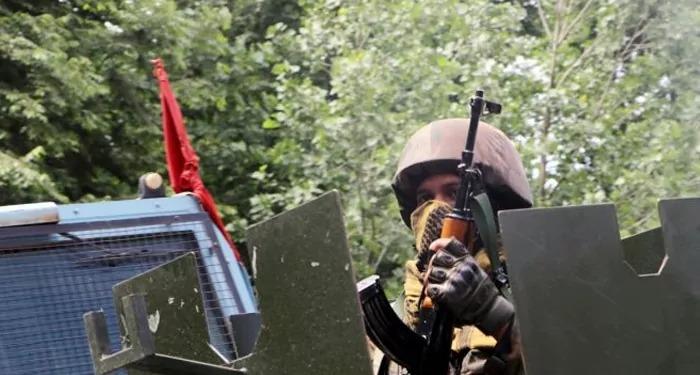 मुठभेड़ में सुरक्षा बलों के हाथों तीन अल-बद्र आतंकवादी हुए ढेर
