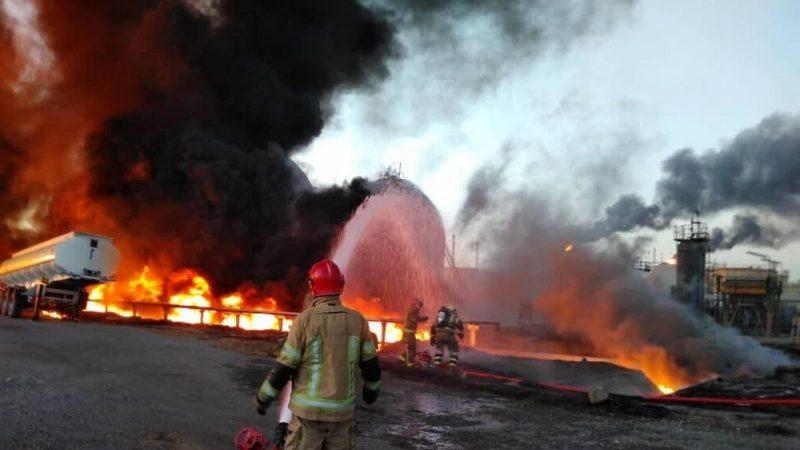 तेहरान: तेल रिफ़ाइनरी भीषण आग की आयी चपेट में, कड़े प्रयासों के बाद लगी पर क़ाबू पा लिया गया है