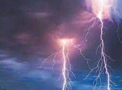 पश्चिम बंगाल में वज्रपात: 20 लोगों की आकाशीय बिजली के कहर से हुई मौत