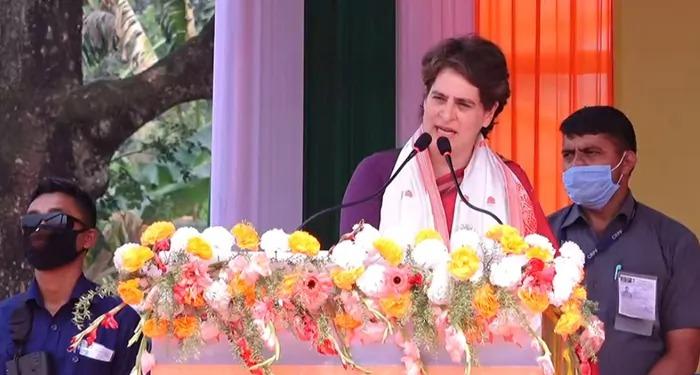 प्रियंका ने कहा योगी सरकार आगरा मॉकड्रिल का सच सामने लाये