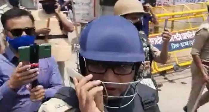 भाजपा नेता ने इटावा एसपी सिटी को मारा थप्पड़, शिकायत का वीडियो भी हुआ वायरल