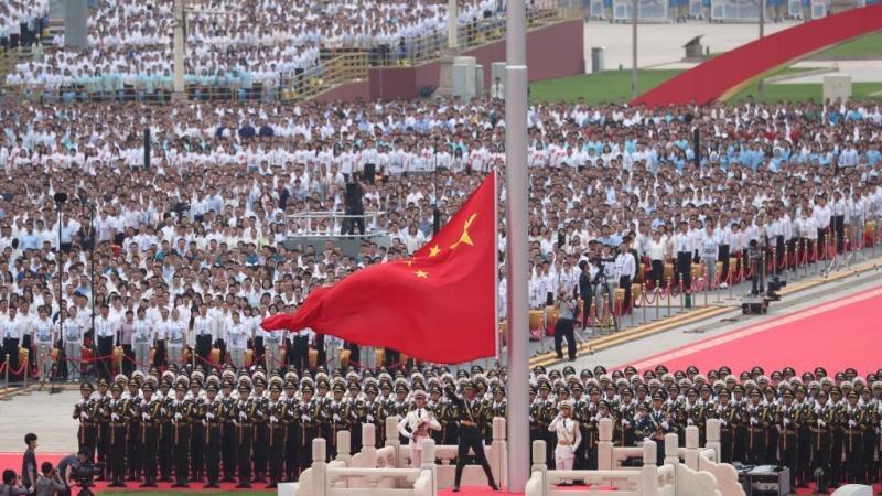 जानें चीन ने दुनिया की सबसे बड़ी सेना कैसे बना ली और अब दुनिया की सबसे बड़ी अर्थ व्यवस्था करने जा रहा है खड़ी