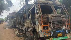 असम में सात ट्रकों में उग्रवादियों ने लगाई आग, जिनमे से पांच ड्राइवरों की मौत
