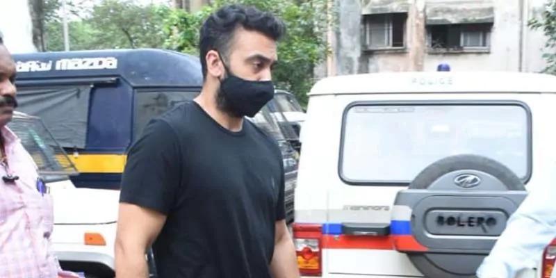 पोर्नोग्राफी मामले में पुलिस का बयान, कुंद्रा को ज़मानत मिली तो भाग सकते हैं