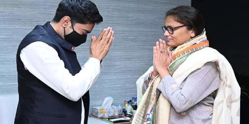 सुष्मिता देव कांग्रेस का हाथ छोड़ शामिल हुईं TMC में